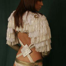 Бело-золотой костюм, ночной клуб «FIRST»