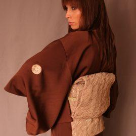 японское-кимоно-официант