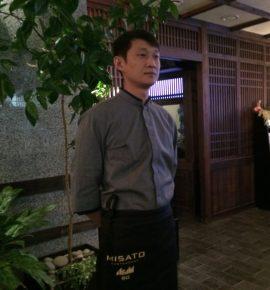 официант японского ресторана «Мисато»