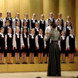 Старший хор музыкальной школы им.Алексеева. Сарафан и блузка